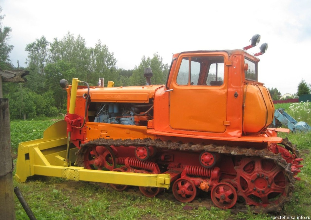 Бульдозер Д-606