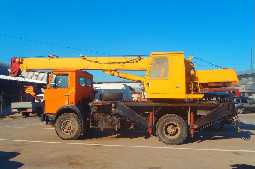 Автокран МАЗ-5337